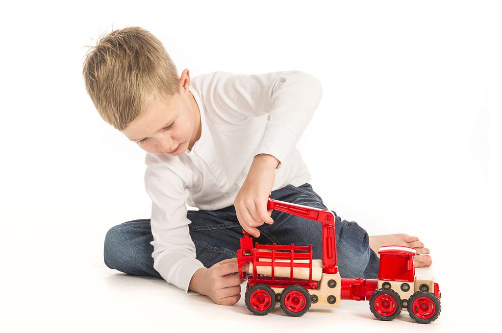 Barn leker med Beljo Toys